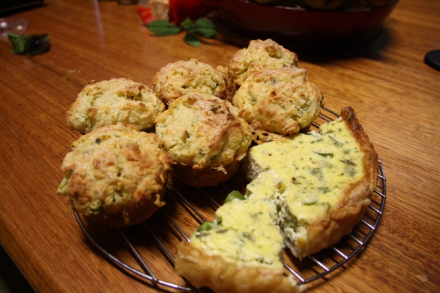 asparagus and goat cheese muffins