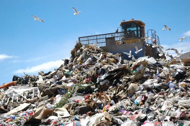 landfill_compactor_fr_close