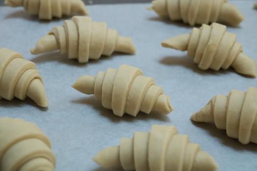 sweet-starter-croissants